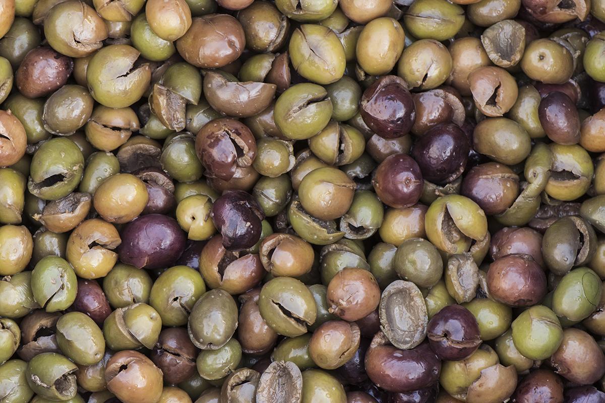 Tradizioni calabresi: le olive schiacciate