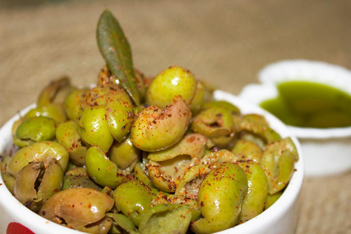 Olive schiacciate calabresi: come prepararle