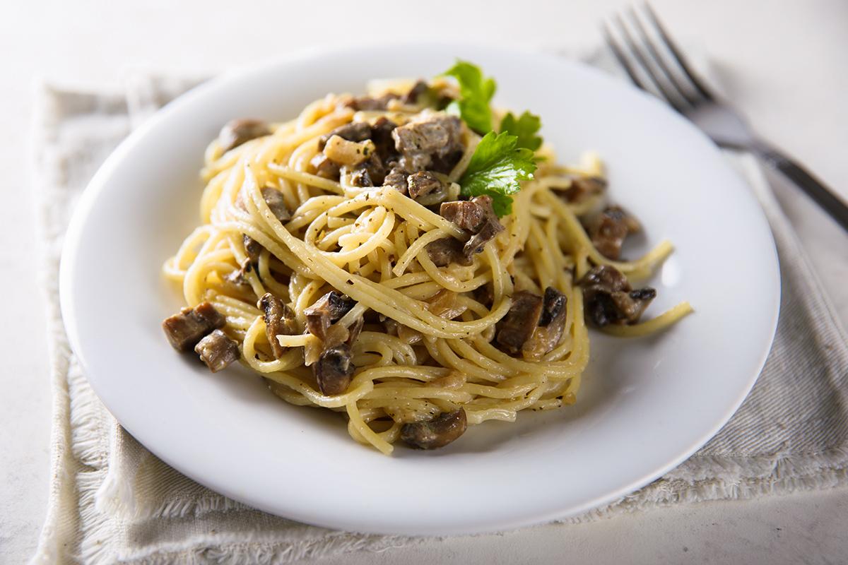 Spaghetti piccanti ai funghi porcini